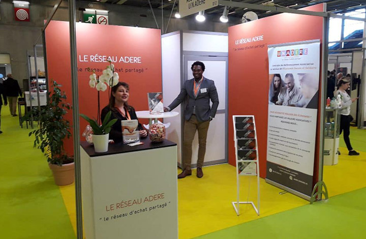 Stand Adere